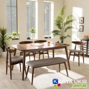 Meja makan minimalis dengan bentuk modern ini terbuat dari bahan material kayu jati Ini juga sebuah meja ruang makan rumah minimalis anda