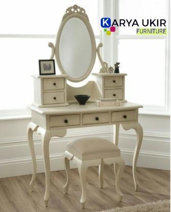 Meja rias minimalis kayu jati atau yang biasa disebut meja dandan dengan desain modern adalah sebuah meja make up yang kami buat khusus
