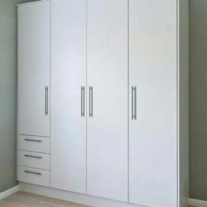 Jual grosir murah Lemari minimalis modern dengan bahan material kayu jati atau yang biasa disebut dengan almari mewah bergaransi resmi