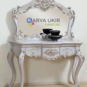 Jual Meja rias murah dengan bahan material kayu jati dan sebuah meja make up desain minimalis klasik jepara kualitas terbaik harga terjangkau