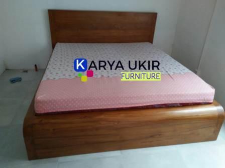 Jual Tempat tidur laci atau yang biasa disebut dengan dipan laci atau Sorong dengan desain minimalis modern ini berkualitas tinggi juga bergaransi resmi