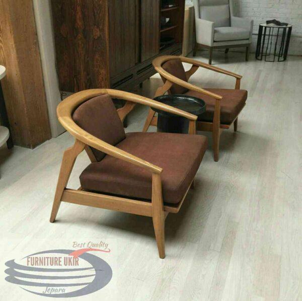 Kursi teras minimalis atau yang biasa disebut dengan bangku depan rumah yang terbuat dari bahan material kayu jati harga murah