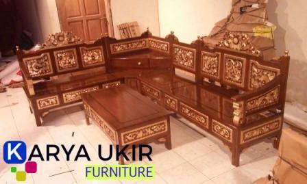 kursi tamu pojok dengan harga terjangkau atau murah juga disebut dengan kursi tamu sudut mahkota kayu jati buatan jepara asli