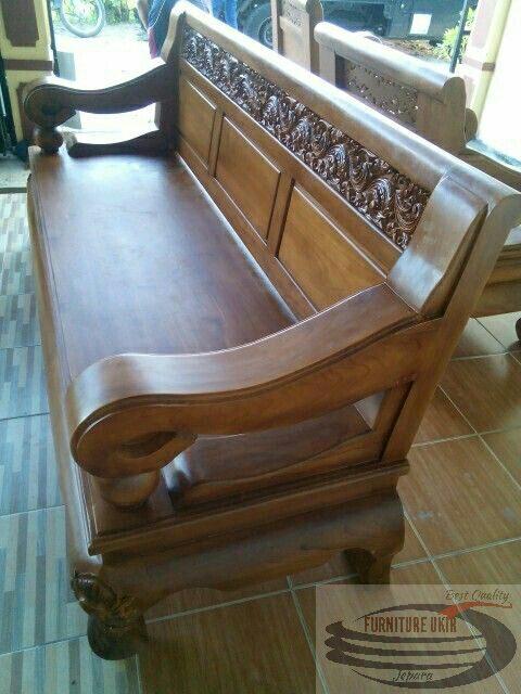 Kursi tamu solo klasik atau yang biasa disebut dengan kursi tamu Bengawan Solo yang terbuat dari bahan material kayu jati paling murah