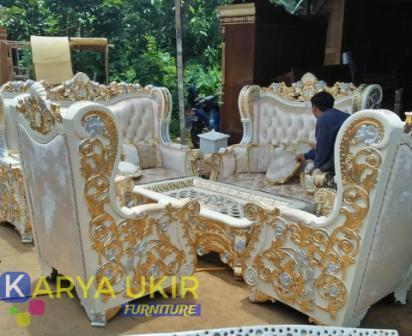 Daftar toko furniture terdekat juga paling murah atau yang biasa disebut dengan produsen mebel terbaik berkualitas harga grosir jepara