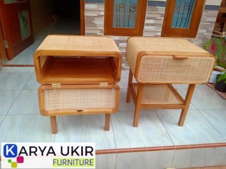 Meja kamar rotan dengan desain unik minimalis atau yang biasa disebut dengan nakas kombinasi rotan retro modern harga murah